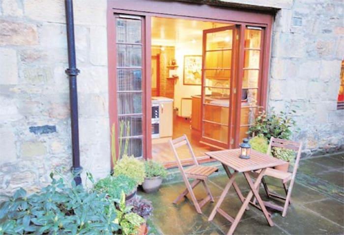 Entire apartment, The Shore, Leith - Edinburgh