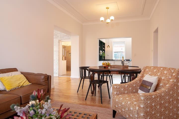 Central Mudgee- renovated whole house