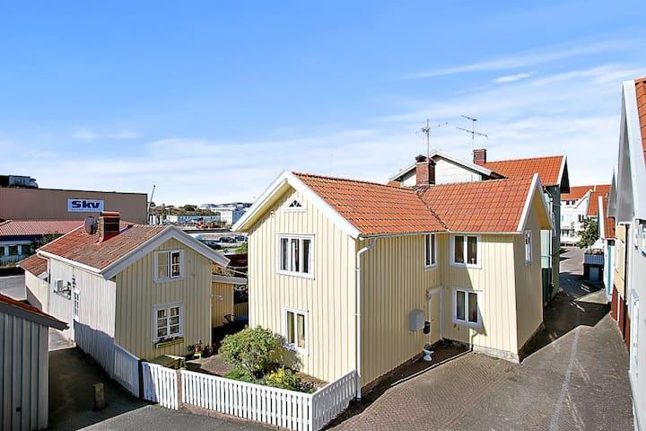 Lägenhet 1 i Kaptenshus i Gamlestan - Lysekil - Lägenhet