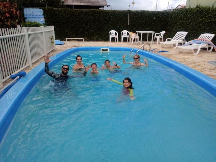 QUARTO ARVOREDO -ATÉ 4 PESSOAS - PRAIA DO CAMPECHE