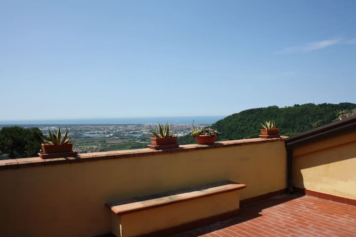 La Volpaia A: fantastic sea view. - Corsanico - House