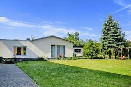 Ferienhaus mit Garten Strand 2 km - Casa