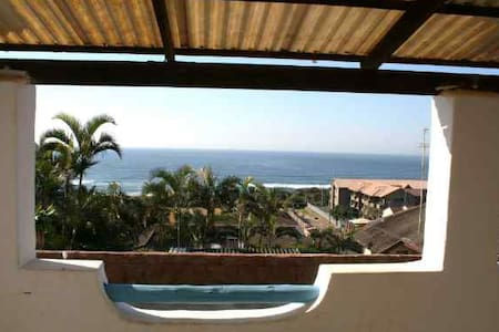 Martinique Holiday Home 2 - Kingsburgh