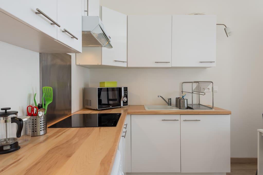 studio meubl lyon 3 pour 4 pers appartements louer lyon rh ne alpes france. Black Bedroom Furniture Sets. Home Design Ideas