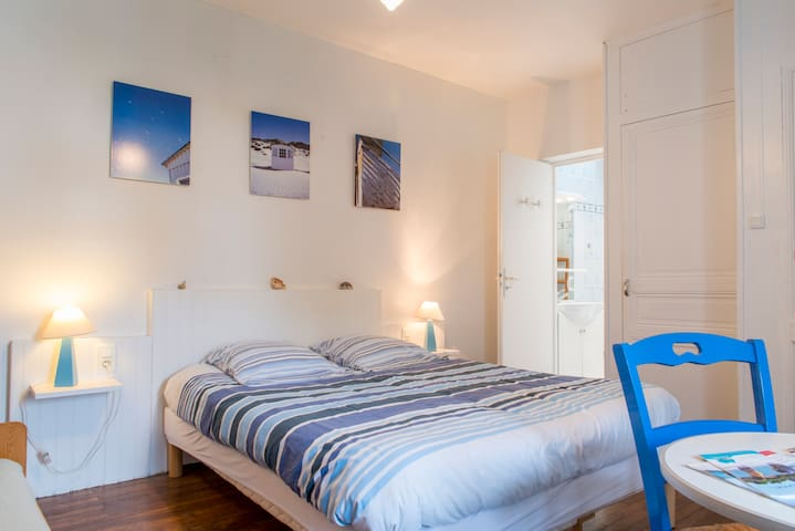 """Bed and breafast """"Les Volets Bleus"""" - Pornic - Bed & Breakfast"""