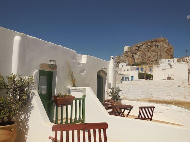 Tsouklou 2 - Amorgos Elegant Studio in Chora