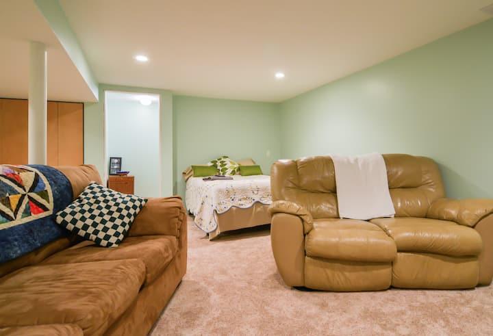 Large, Comfy, Private Basement Suite