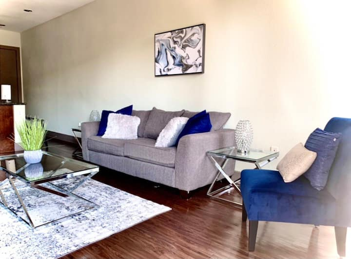 LUX HIGHRISE | Galleria/Uptown | HUGE BALCONY |