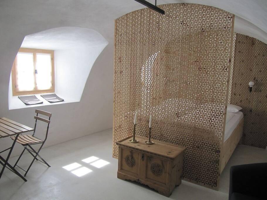 luxusstudio im engadinerhaus nah bogn engiadina. Black Bedroom Furniture Sets. Home Design Ideas