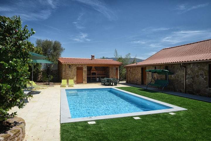 Holiday home for 17 persons with private pool