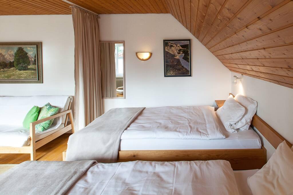 gem tlich wohnen am see zwischen alpen und m nchen condos zur miete in utting am ammersee. Black Bedroom Furniture Sets. Home Design Ideas