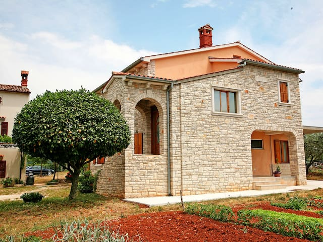 Apartment Deirocchi for 4 persons