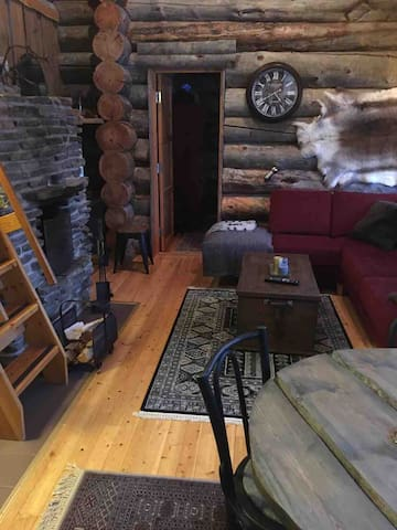 View from kitchen to living room  Näkymä keittiöstä olohuoneeseen