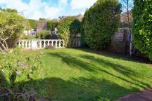 Front enclosed garden