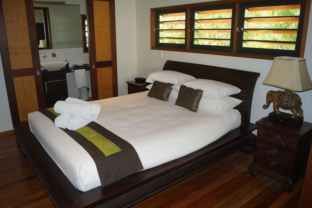 Master bedroom  - relax and sleep in comfort!