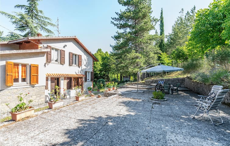 Holiday cottage with 3 bedrooms on 100m² in Sestino AR