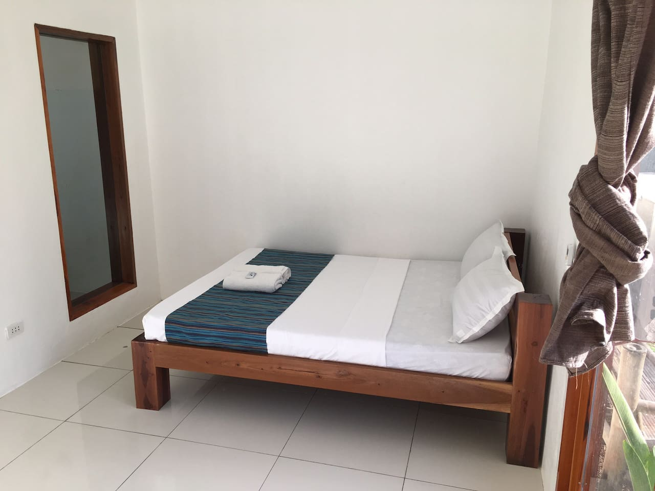 Brand new rooms with spilt style aircon and hot and cold water