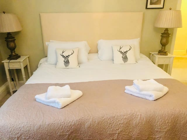 Ilkley Central sleeps 5