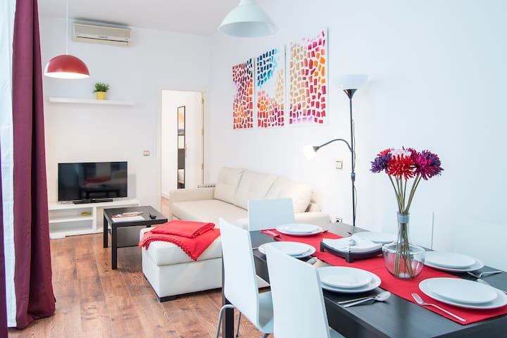TRANQUIL FLAT IN OLD TOWN (AirConditioning & WIFI)