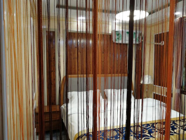 三套独立套房里面都是1米八的大床