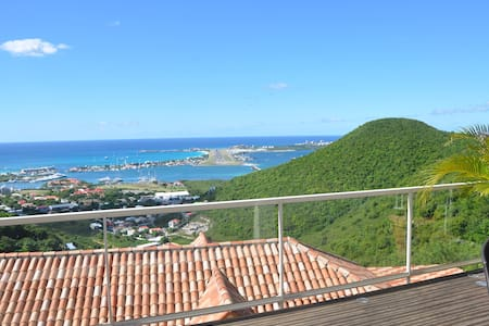 AMAZING AND UNIQUE VIEW IN SINT MAARTEN - Cole Bay - Flat