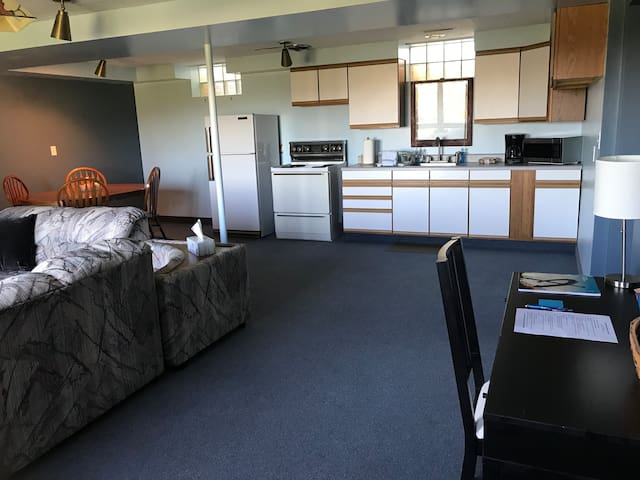 Sunset Hills - **35% OFF Weekly Bookings!**