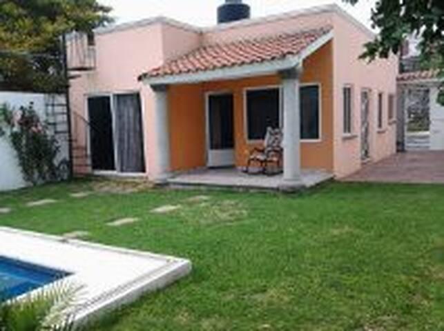 Casa en renta para dias de descanso o temporal - Cuautla - House