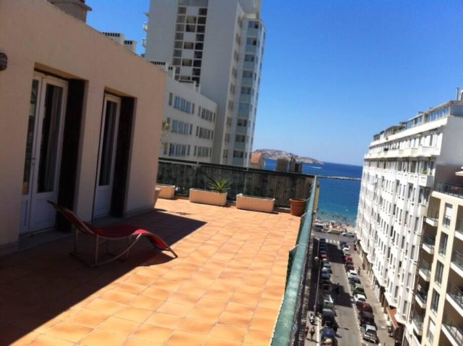 Vue terrasse sur plage Catalans