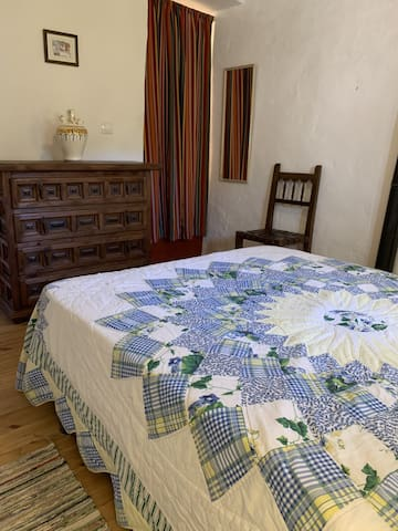 Ivy Cottage Main Double Bedroom