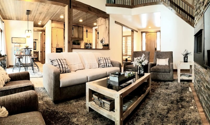 Rustic Farmhouse Retreat.. Cul-de-sac+Close To NAU