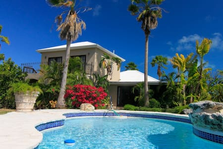 Romantic Vacation at La Casita - Leeward Settlement