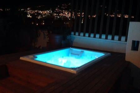 ROOFTOP JACUZZI MEDELLIN APARTMENT - Medellin - Apartment