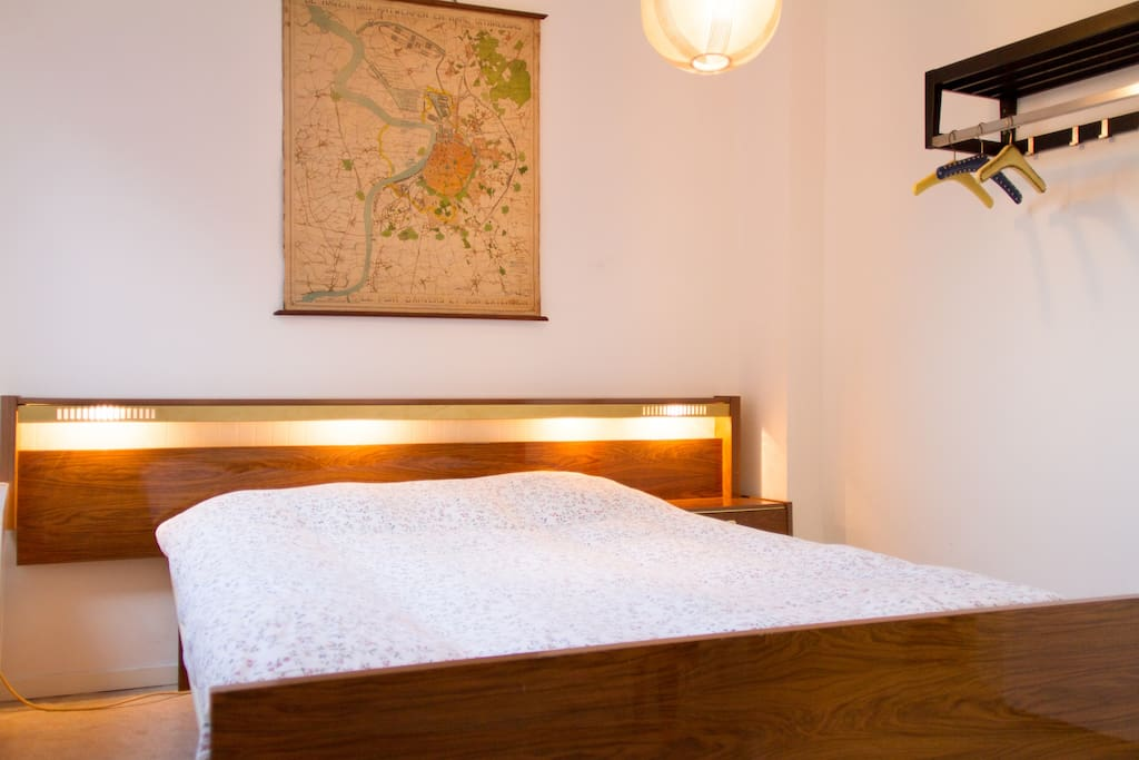 retro bed with incorporated lights