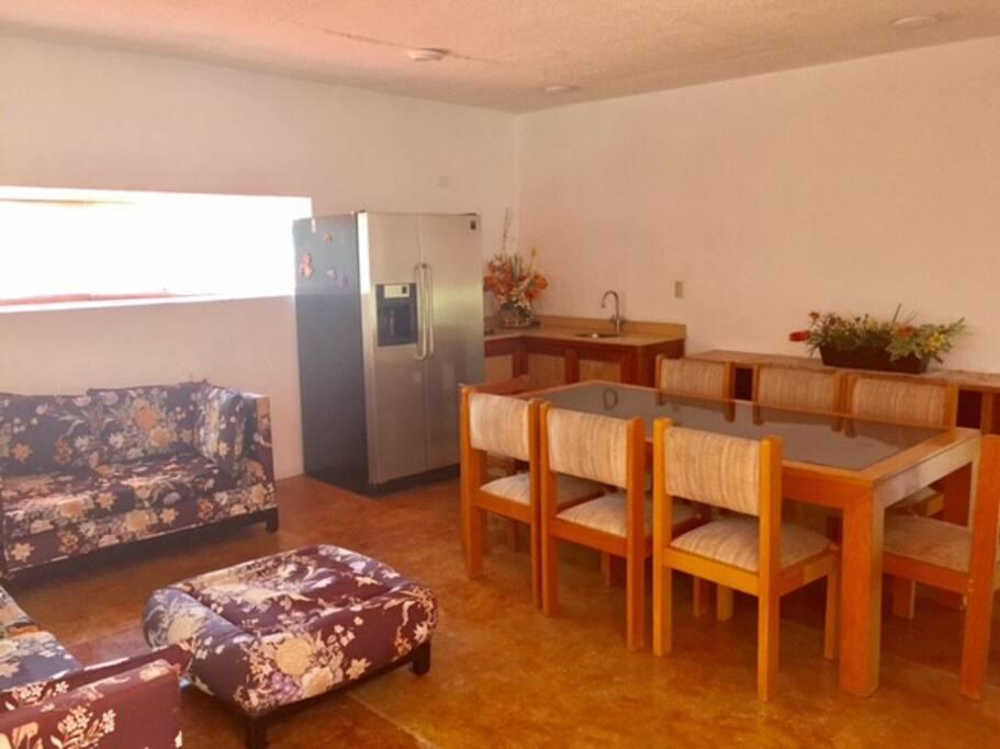 Amplia sala comedor integrados