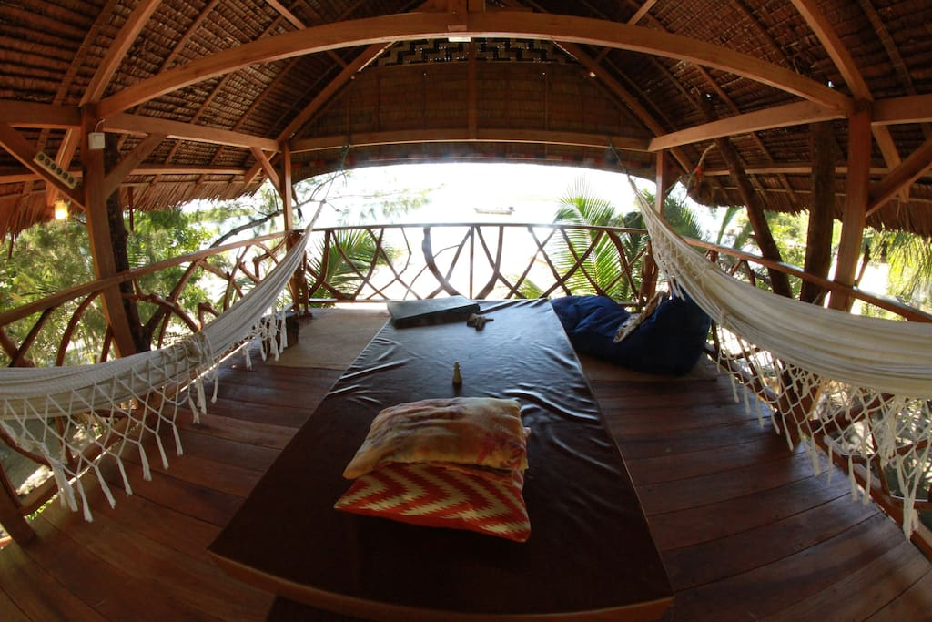Absolute beach front Massage Tree House