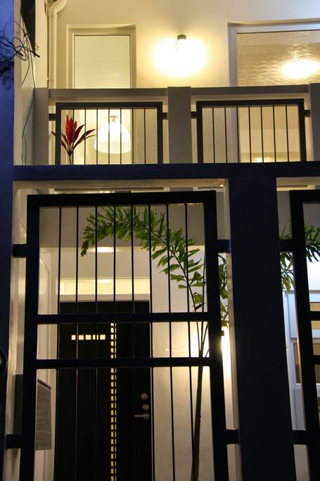 Modern, european / filipino designed house