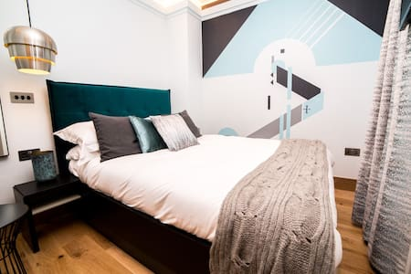 No. 2 The Hugo - Luxury Double Room Canterbury