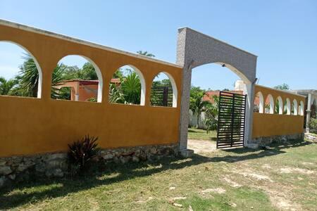 Villa elvira.Tren Maya,cenotes y zna arqueológica