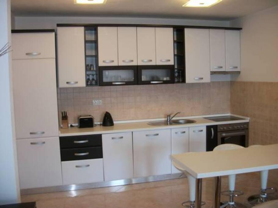 Kuhinja/ Kitchen