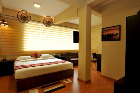 Deluxe Room with Private Bathroom