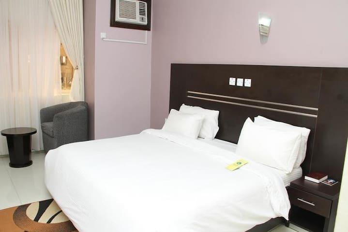 Jades Hotel-Executive Room