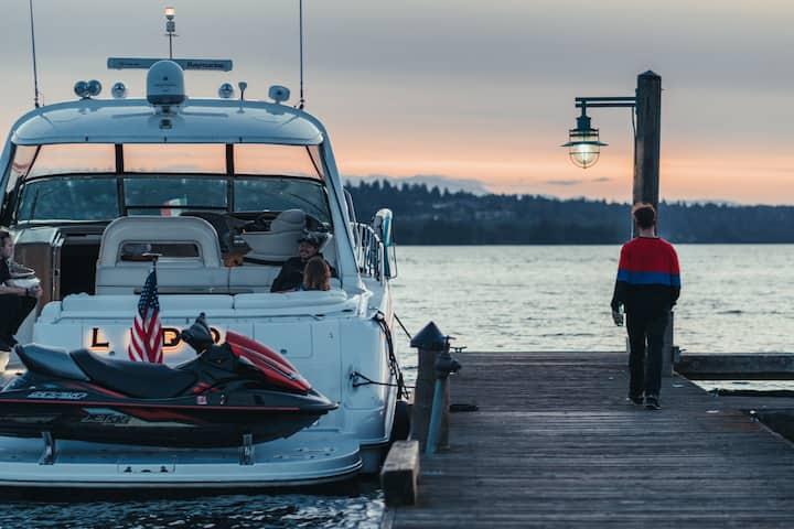 Affordable & Luxury Yacht Experience on Lake WA.