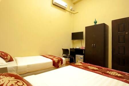 Standard Room - Separate bathroom - Yangon - Bed & Breakfast