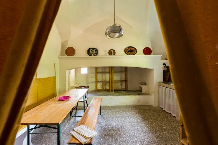 Sunny Puglia in Estate house with vaulted ceilings - Maruggio - Casa