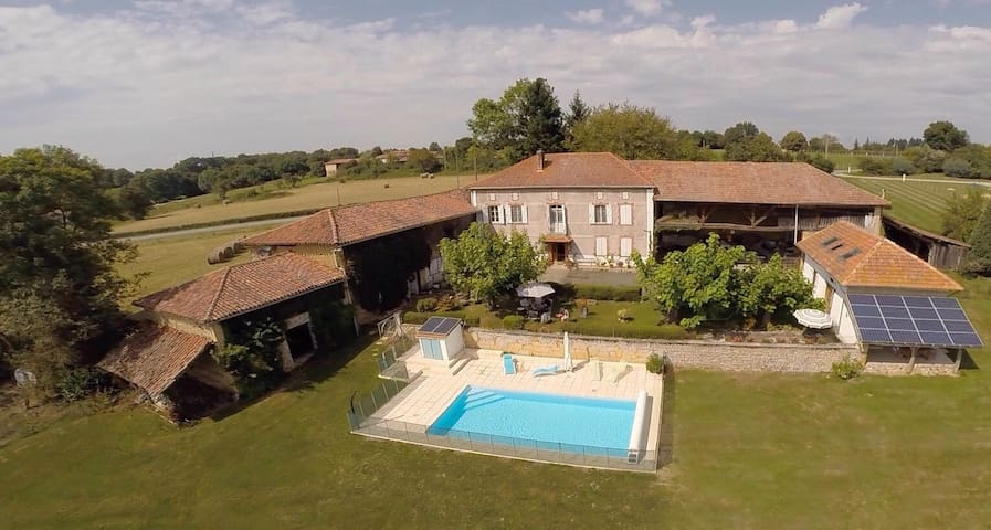 Pyrenees Bed & Breakfast, Suite (two rooms) pool - Loudet - Bed & Breakfast