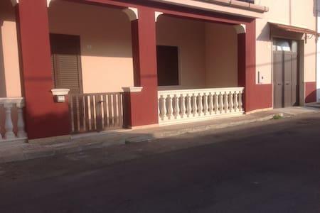 casa indipendente vicino a GALLIPOLI(LE) PUGLIA
