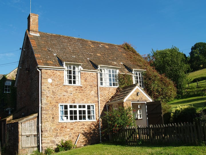 The Old Granary. A delightful cottage on a farm.