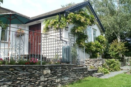Bungalow with King size Double  & Twin Bed Rooms - Cumbria - Bungalow