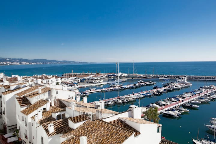 Lux Puerto Banus Penthouse with Parking and WI-FI