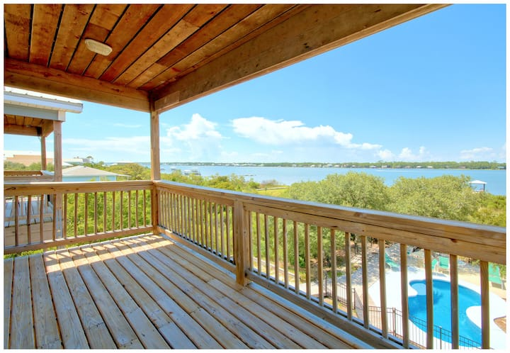 Magnificent Family Beach House -Sleeps 28